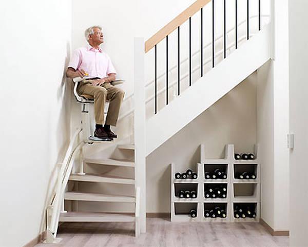 Installation d'un monte escalier : Devis gratuit en ligne
