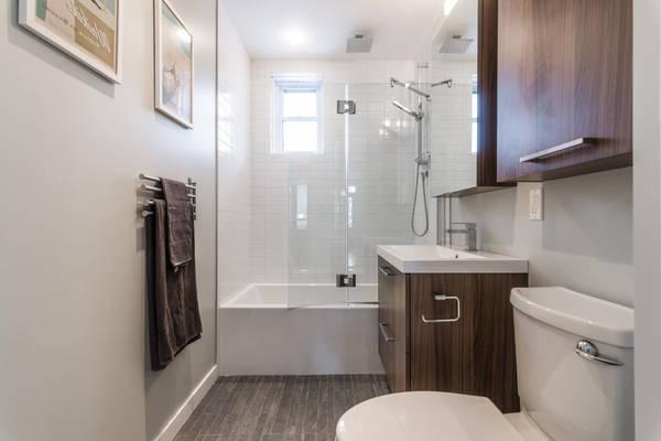 Prix d'une salle de bain avec douche : Comparez les Prix