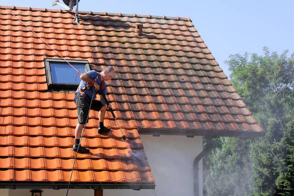 Prix nettoyage toiture maison : Devis en ligne Gratuits