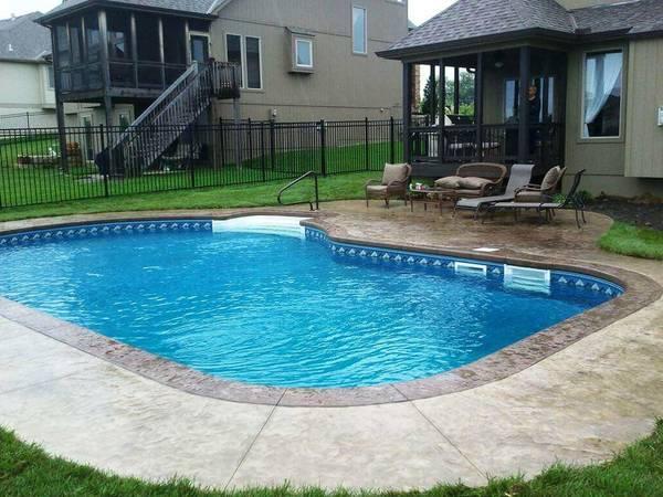 Prix moyen d'une piscine à débordement : Comparez les piscinistes de votre région