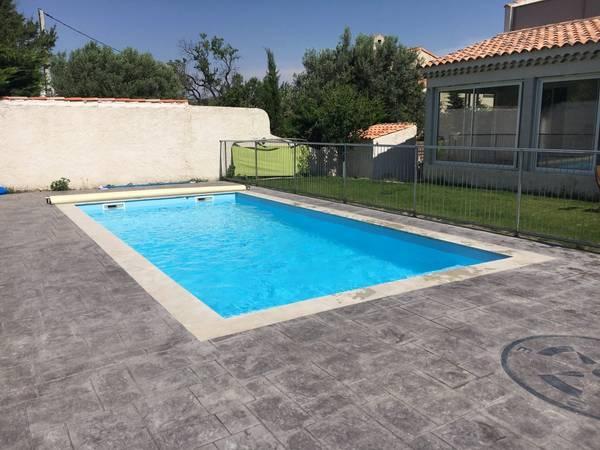 Prix moyen d'une piscine à débordement : Votre piscine au meilleur prix